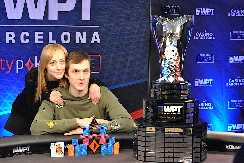 ganador y esposa