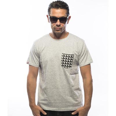Nueva camiseta gris jaspeado con bolsillo