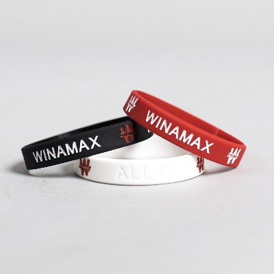Lote de 3 pulseras (negra/blanca/roja)
